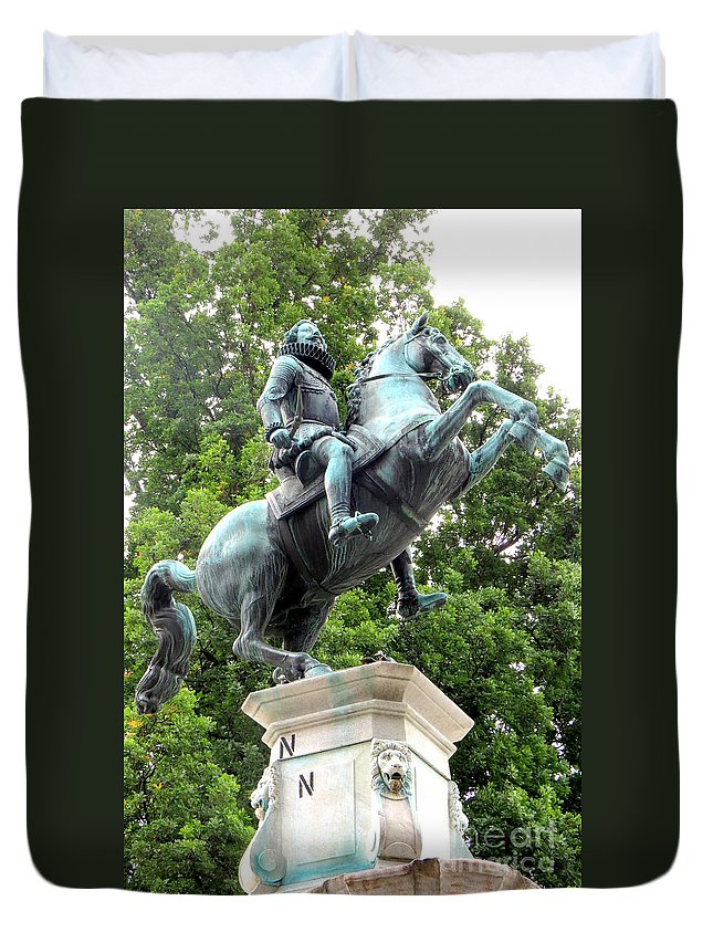 Statue Duvet Cover featuring the photograph Leopold Statue by Frank Townsley
