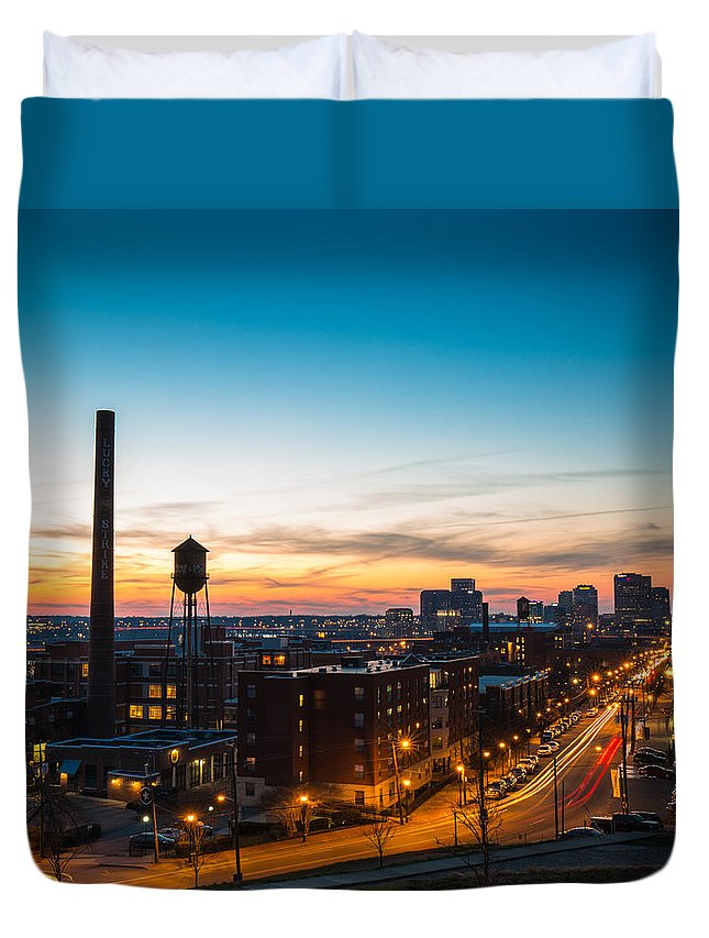 Flood Wall Duvet Cover featuring the photograph Libbie Hill In March by Chris Marcussen