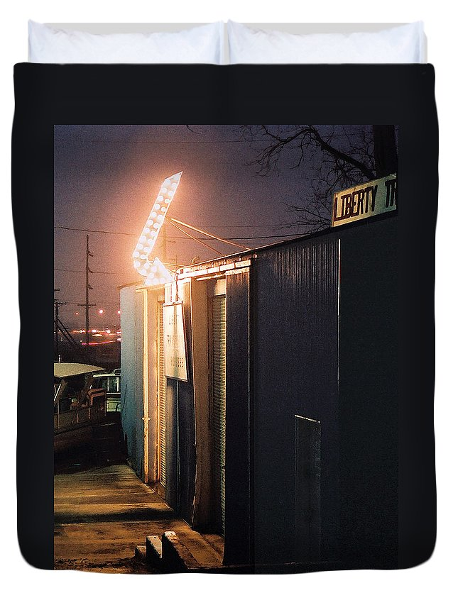 Night Scene Duvet Cover featuring the photograph Liberty by Steve Karol