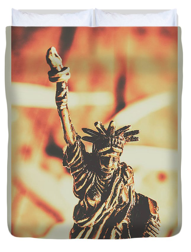 Antique Duvet Cover featuring the photograph Liberty Will Enlighten The World by Jorgo Photography - Wall Art Gallery