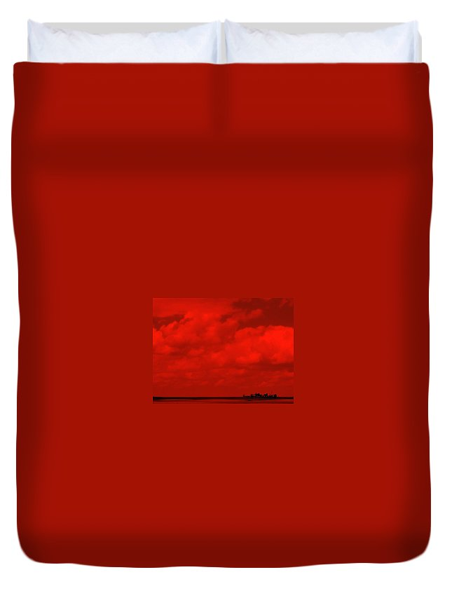 Sky Duvet Cover featuring the photograph Life On Mars by Ed Smith