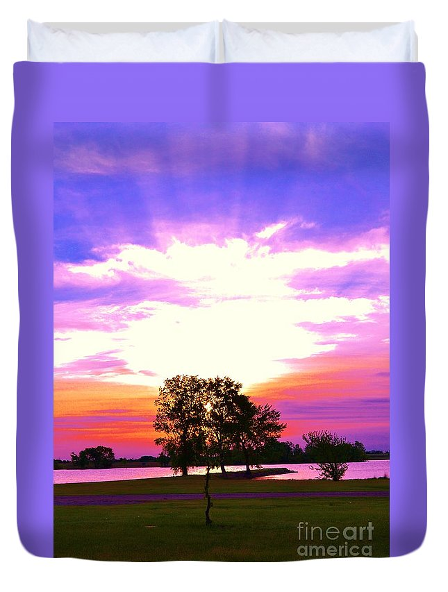 Sun Rize Duvet Cover featuring the photograph Life by Tom Good