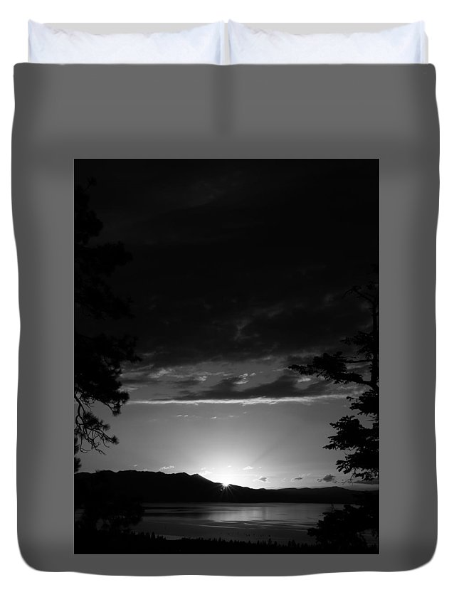 Landscape Duvet Cover featuring the photograph Light by Derek Palmer