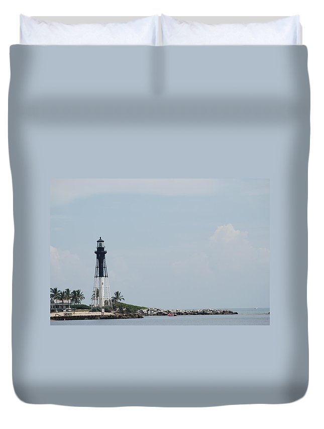 Light House Duvet Cover featuring the photograph Light House Point by Rob Hans