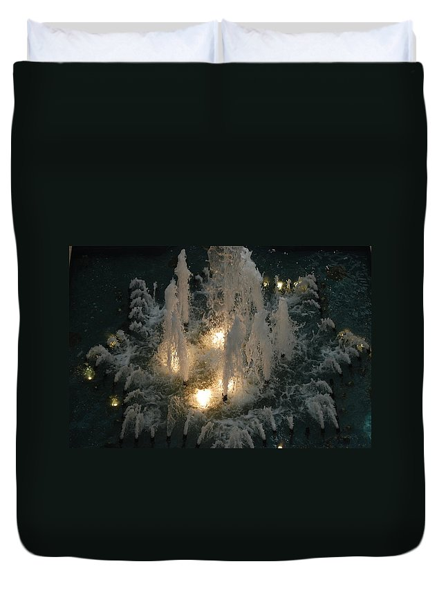Lights Duvet Cover featuring the photograph Lighted Fountain by Rob Hans