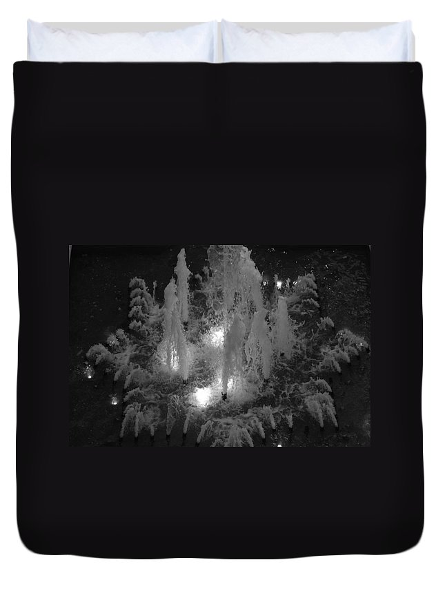 Fountian Duvet Cover featuring the photograph Lighted Star Fountian by Rob Hans