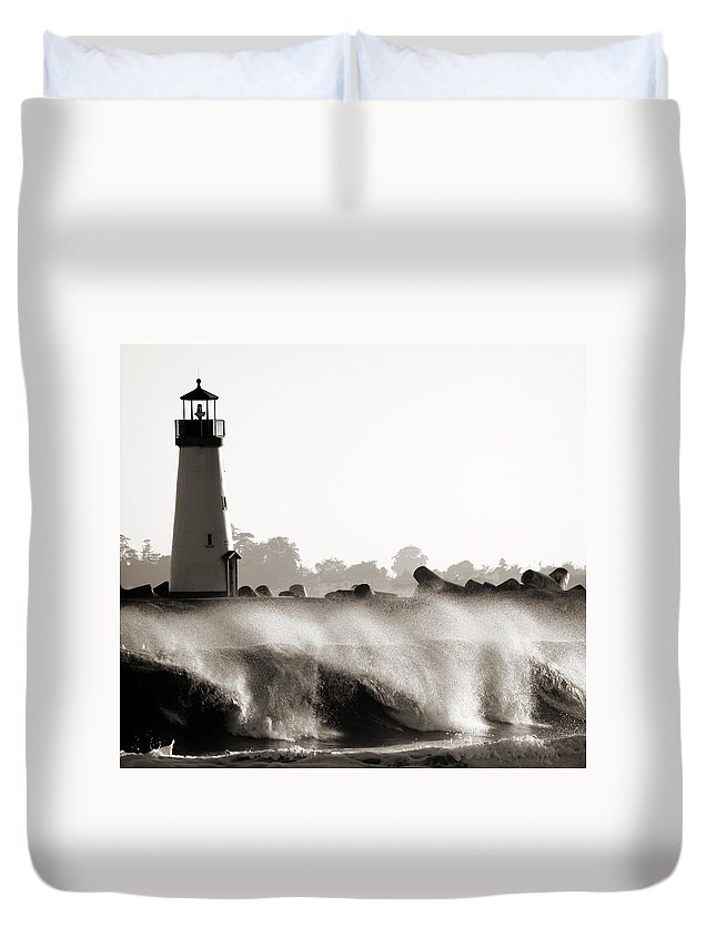 Lighthouse Duvet Cover featuring the photograph Lighthouse 2 by Marilyn Hunt
