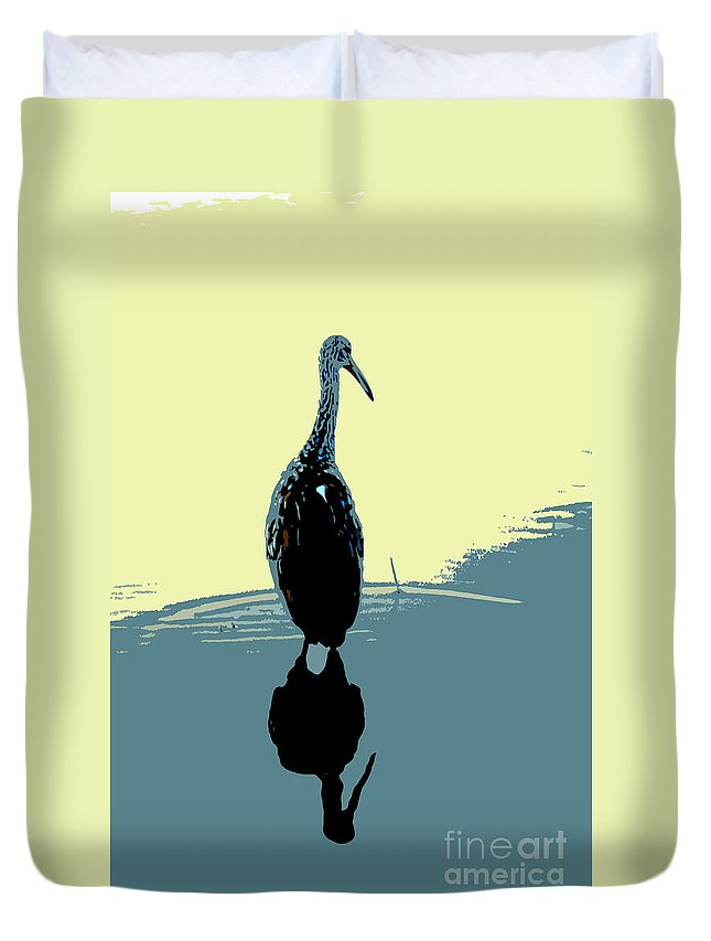Bird Duvet Cover featuring the photograph Limp Kin In Color by David Lee Thompson