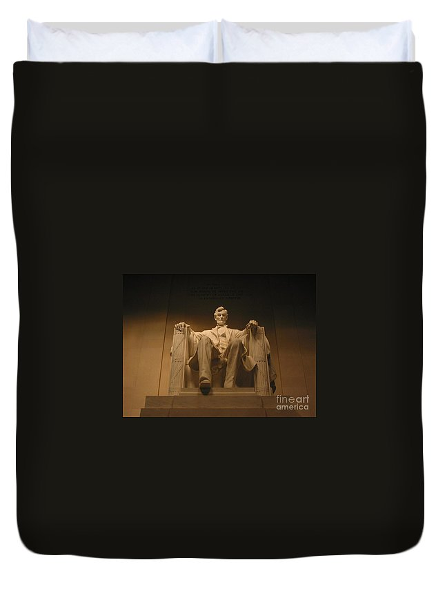 Abraham Lincoln Duvet Cover featuring the photograph Lincoln Memorial by Brian McDunn