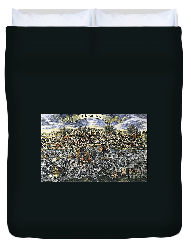 1755 Duvet Cover featuring the photograph Lisbon Earthquake, 1755 by Granger