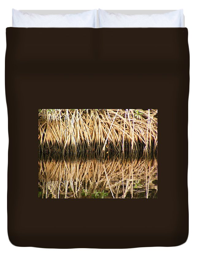 Plants Duvet Cover featuring the photograph Little Feet by Ed Smith