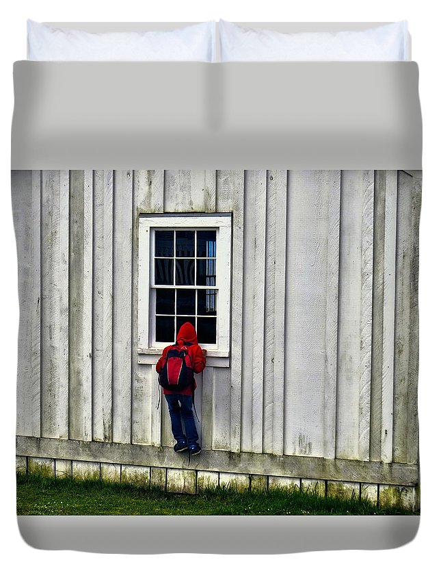 Fun Duvet Cover featuring the photograph Little Red Peeping Tom by Rick Lawler