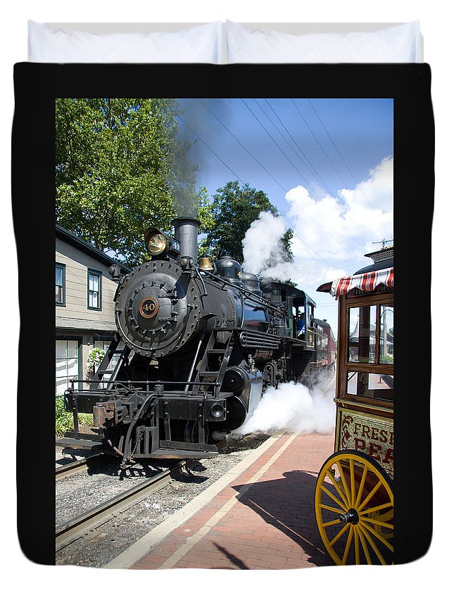 Steam Engine Duvet Cover featuring the photograph Living Steam by Bob Kemp