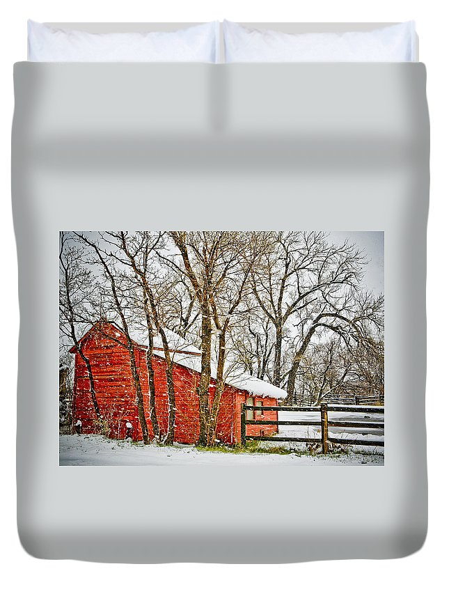 Americana Duvet Cover featuring the photograph Loafing Shed by Marilyn Hunt