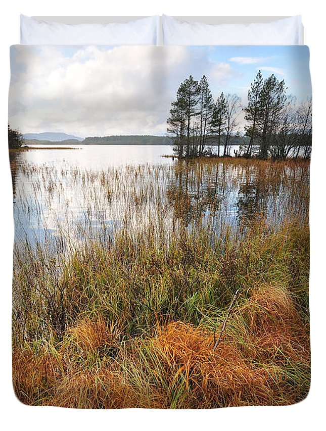 Loch Garten Duvet Cover featuring the photograph Loch Garten by Smart Aviation