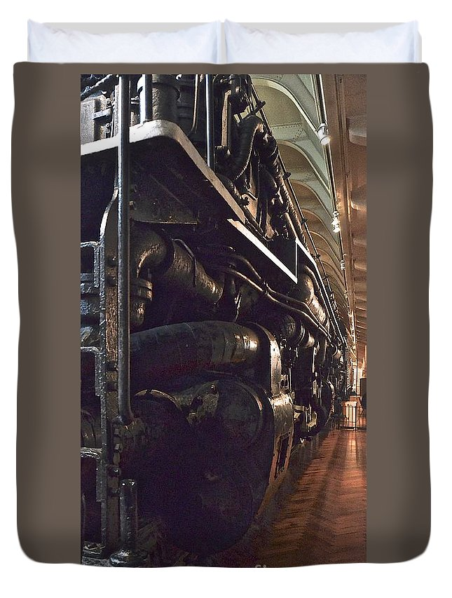 Jason Duvet Cover featuring the photograph Locomotive by Jason Layden
