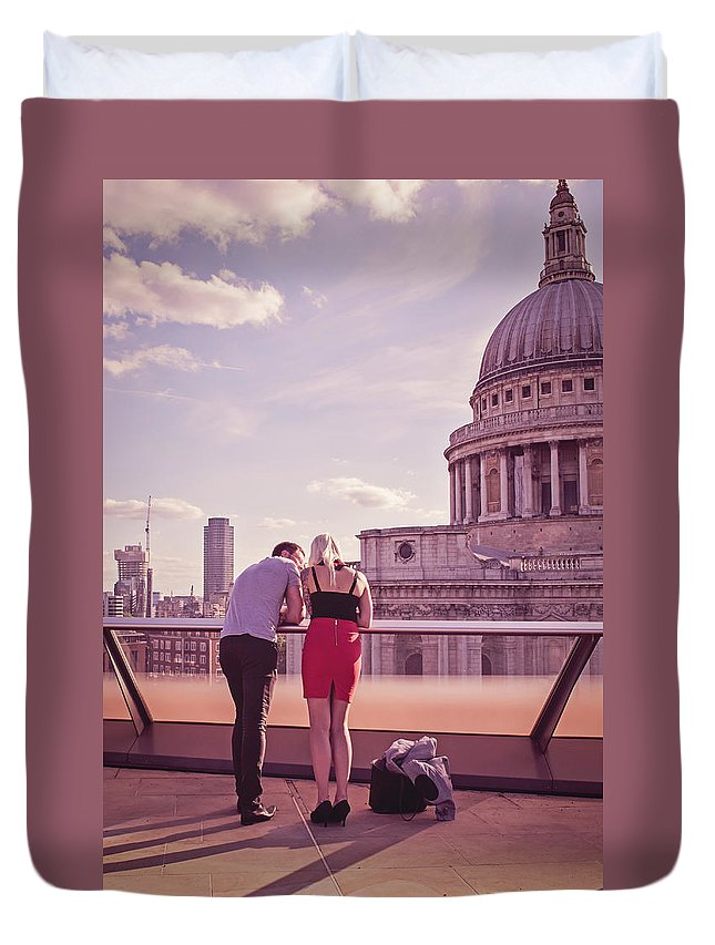 Nikon Duvet Cover featuring the photograph London Love, Love London by Monika Tymanowska