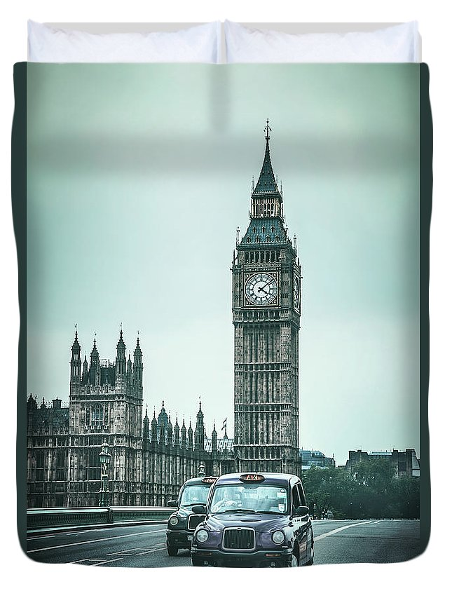 Kremsdorf Duvet Cover featuring the photograph London Times by Evelina Kremsdorf