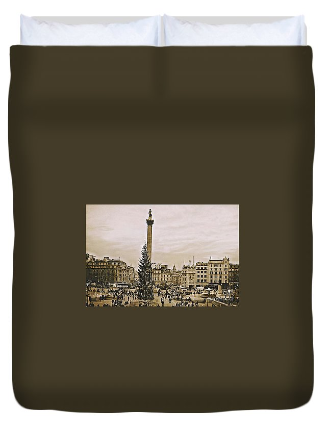 Christmas Duvet Cover featuring the photograph London's Trafalgar Square by Cory Brewington