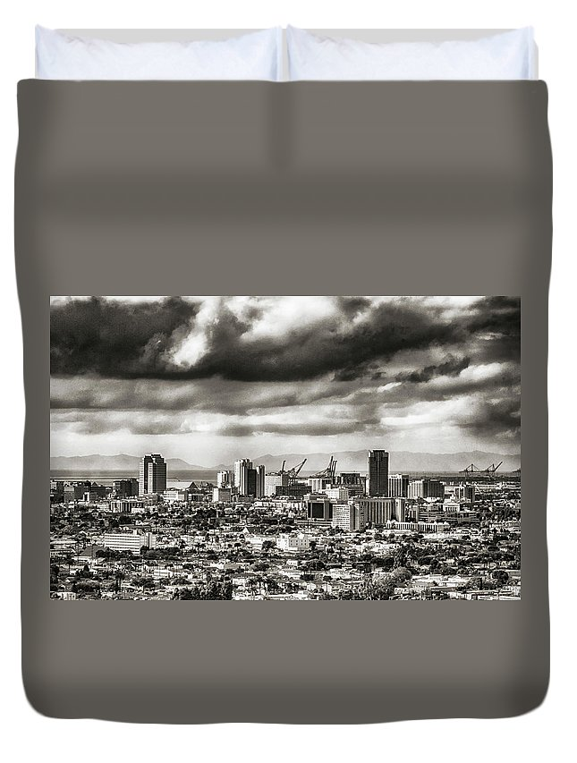 Cityscape Duvet Cover featuring the photograph Long Beach City View by Joseph Hollingsworth