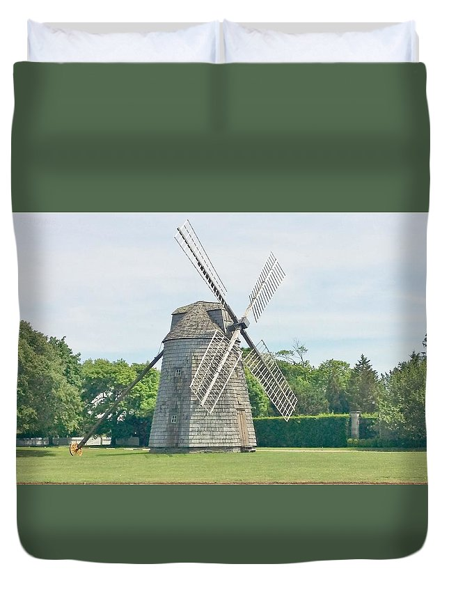 Windmills Duvet Cover featuring the photograph Long Island Wind Mill by Rob Hans