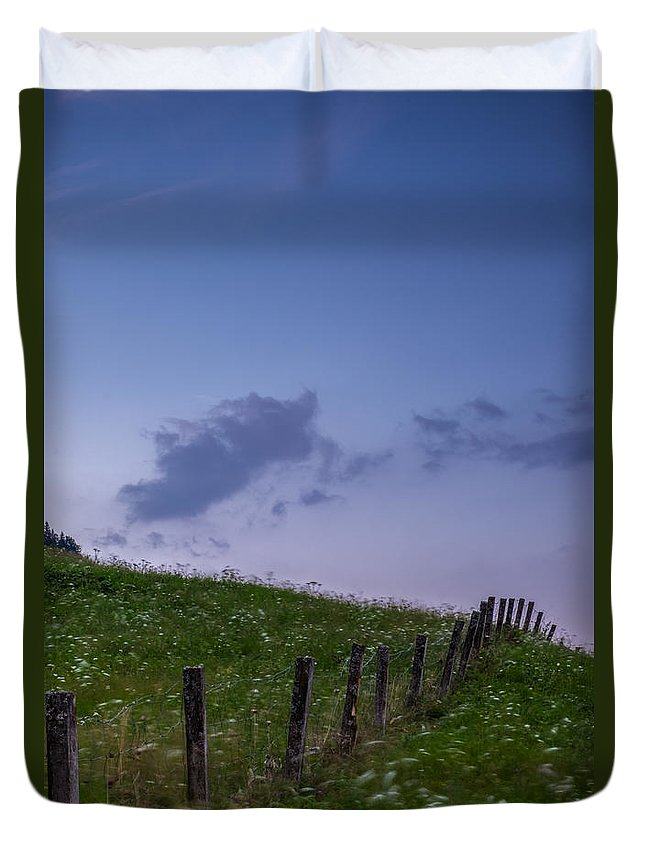 Clouds Duvet Cover featuring the photograph Longing by Ludwig Riml