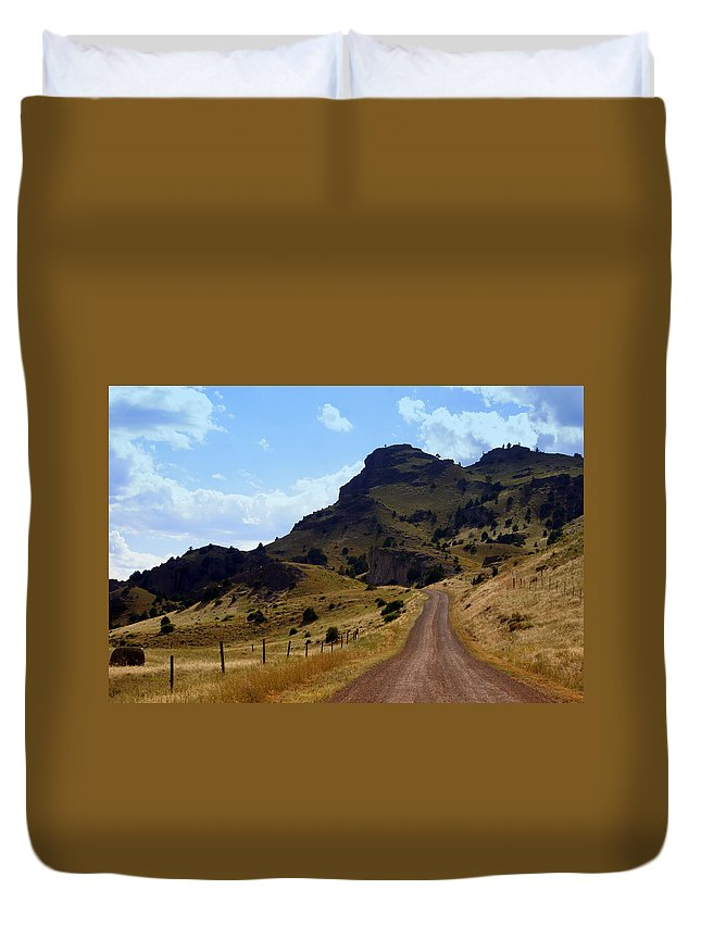 Tom Miner Rd. Duvet Cover featuring the photograph Lonly Road by Marty Koch