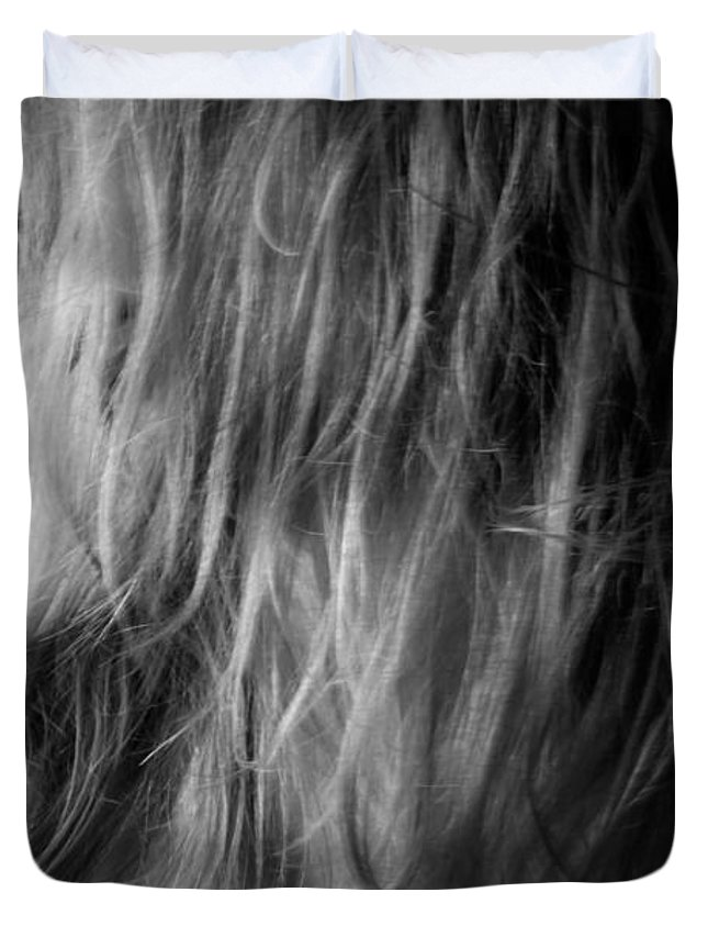 Blk And Wht Duvet Cover featuring the photograph Look by Jae Feinberg