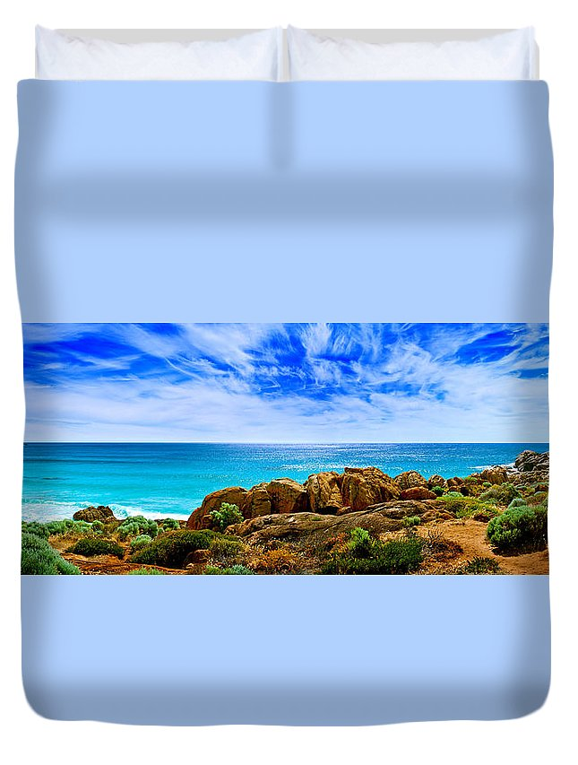 Smiths Beach Duvet Cover featuring the photograph Look To The Horizon by Az Jackson
