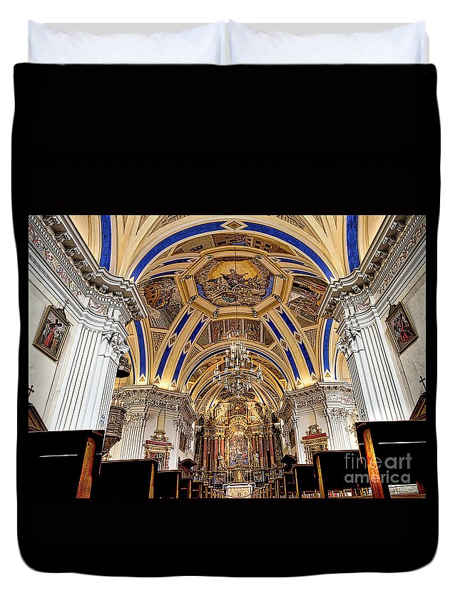 Saint Nicolas De Veroce Duvet Cover featuring the photograph Looking Up by Kevin Williams