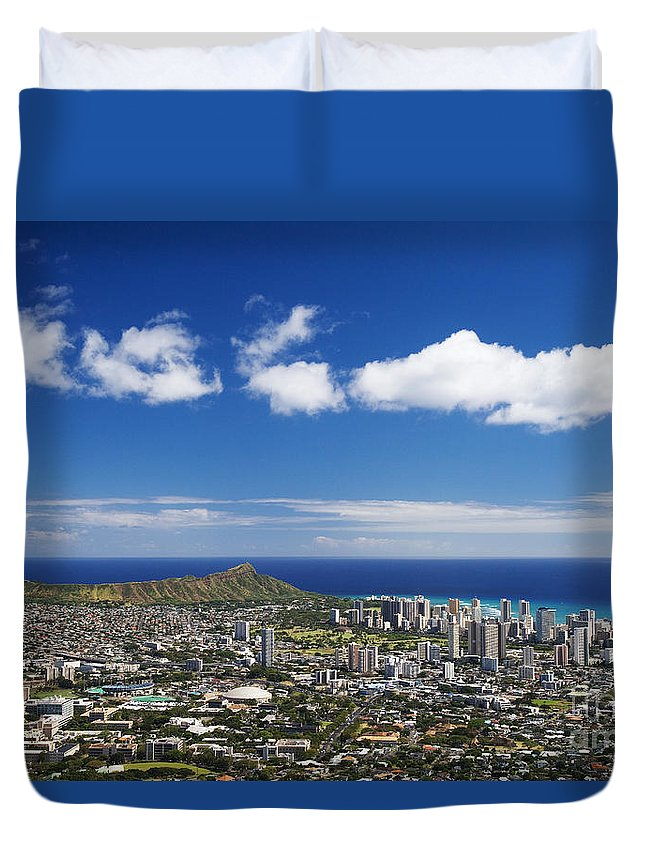 Above Duvet Cover featuring the photograph Lookout View Of Honolulu by Greg Vaughn - Printscapes