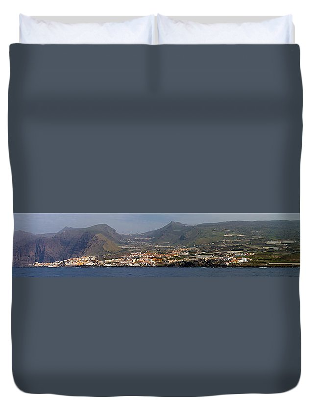 Valasretki Duvet Cover featuring the photograph Los Gigantes Panorama 1 by Jouko Lehto