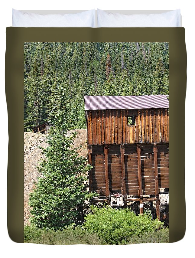 Nature Duvet Cover featuring the photograph Lost In The Past by Tonya Hance