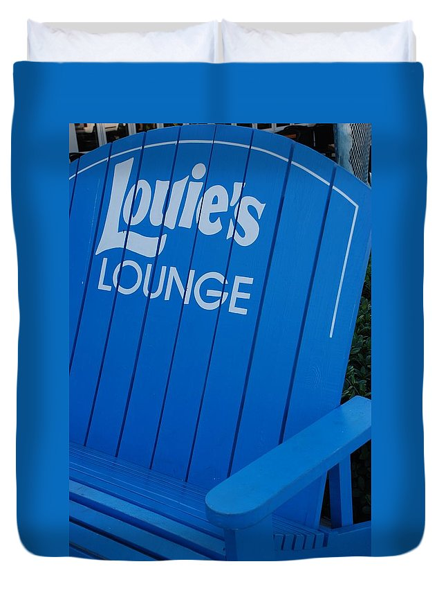 Bench Duvet Cover featuring the photograph Louie S Lounge by Rob Hans