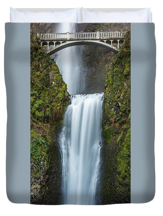 Multnomah Falls Duvet Cover featuring the photograph Lower Multnomah Falls by Paul Freidlund