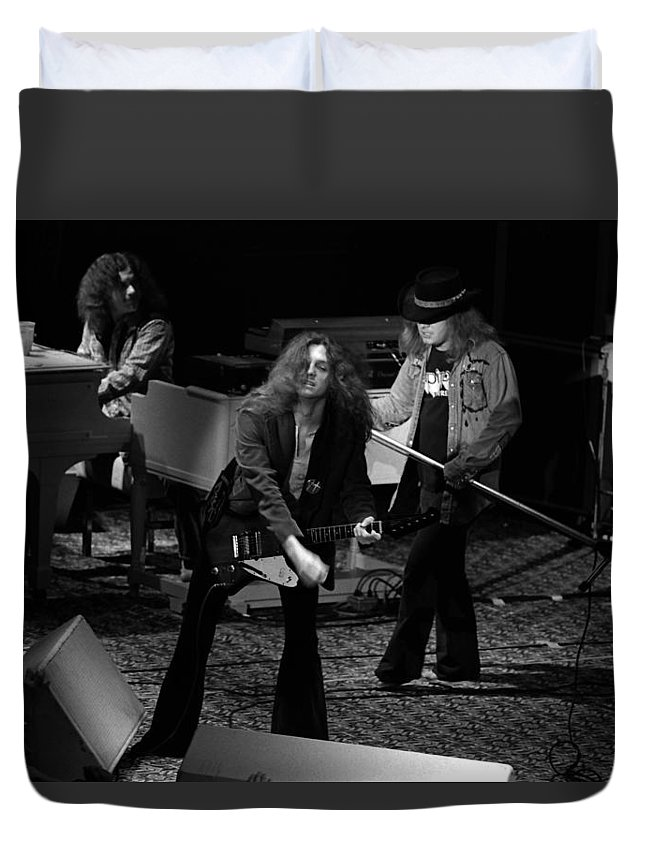 Lynyrd Skynyrd Duvet Cover featuring the photograph Ls #42 by Ben Upham