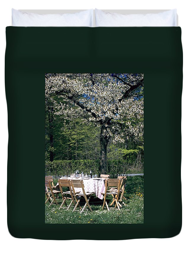Lunch Duvet Cover featuring the photograph Lunch by Flavia Westerwelle