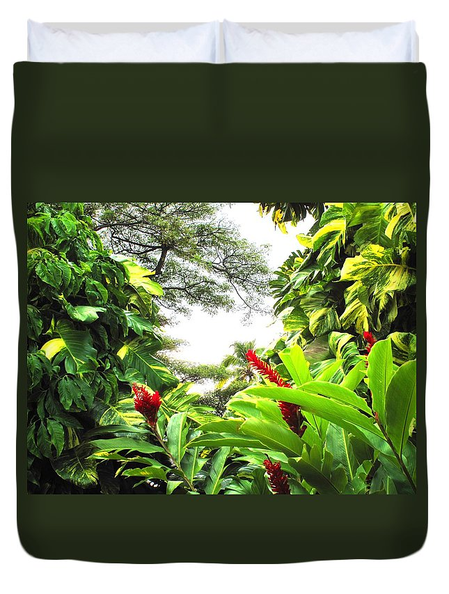 St Kitts Duvet Cover featuring the photograph Lush by Ian MacDonald