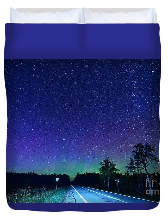Aurora Borealis Northern Lights Michigan Tahquamenon Falls M 123 Milky Way Night Sky Stars Up Upper Peninsula Duvet Cover featuring the photograph M123 Into Paradise by Boreal Visions