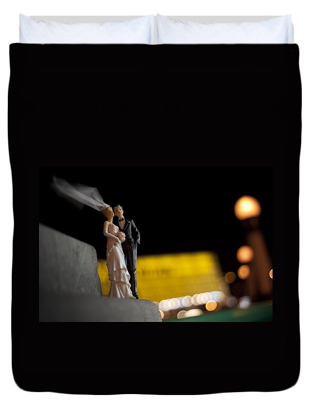 Spain Duvet Cover featuring the photograph Made In China Bride And Groom by Rafa Rivas