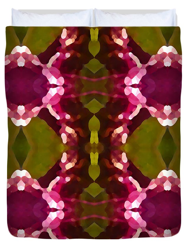 Abstract Painting Duvet Cover featuring the digital art Magenta Crystals Pattern 2 by Amy Vangsgard