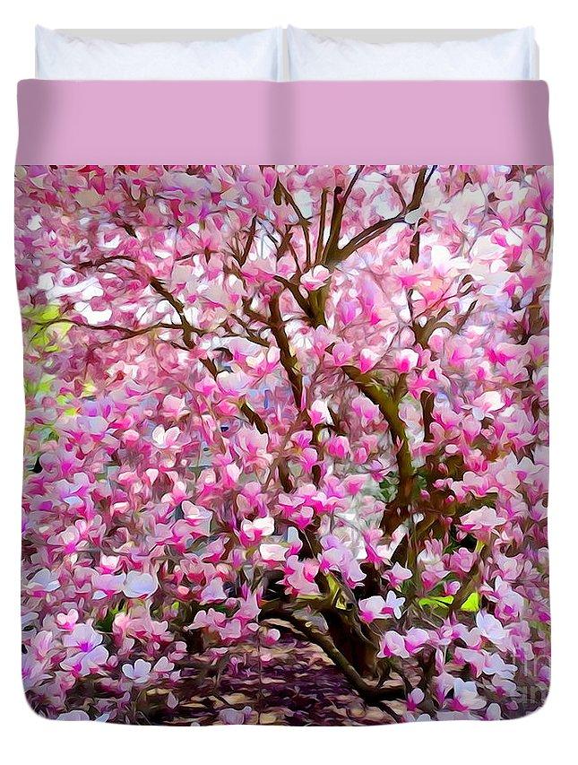 Digital Art Duvet Cover featuring the photograph Magnolia Beauty #14 by Ed Weidman