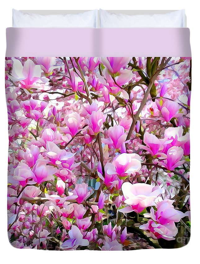 Abstract Duvet Cover featuring the photograph Magnolia Tree Beauty #1 by Ed Weidman