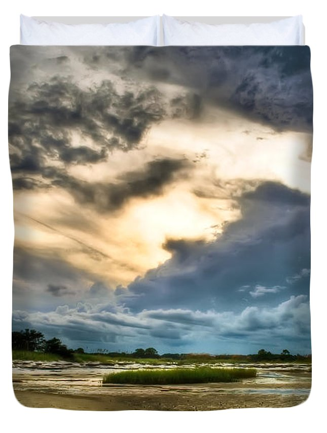 Beach Duvet Cover featuring the photograph Majestic Sky by Rich Leighton