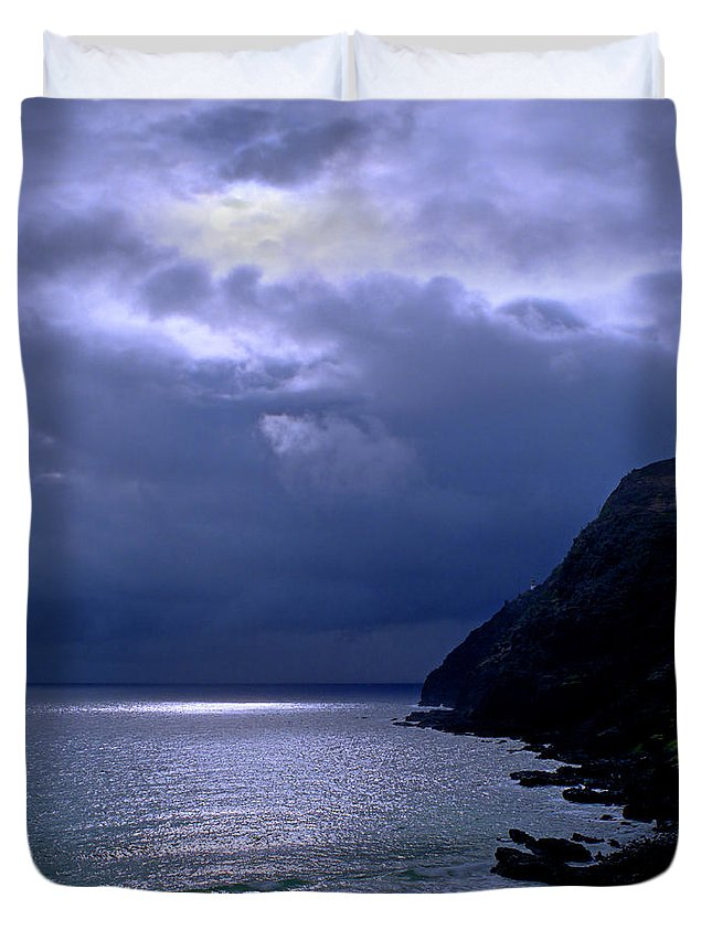 Makapuu Duvet Cover featuring the photograph Makapuu Moon by Kevin Smith