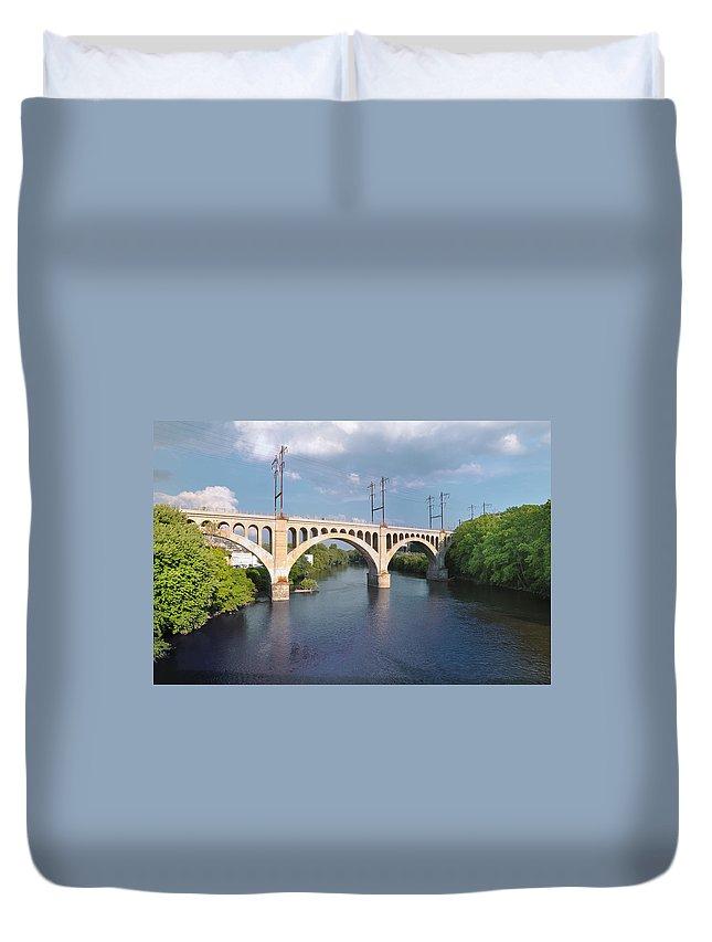 Manayunk Rail Road Bridge Duvet Cover featuring the photograph Manayunk Rail Road Bridge by Bill Cannon