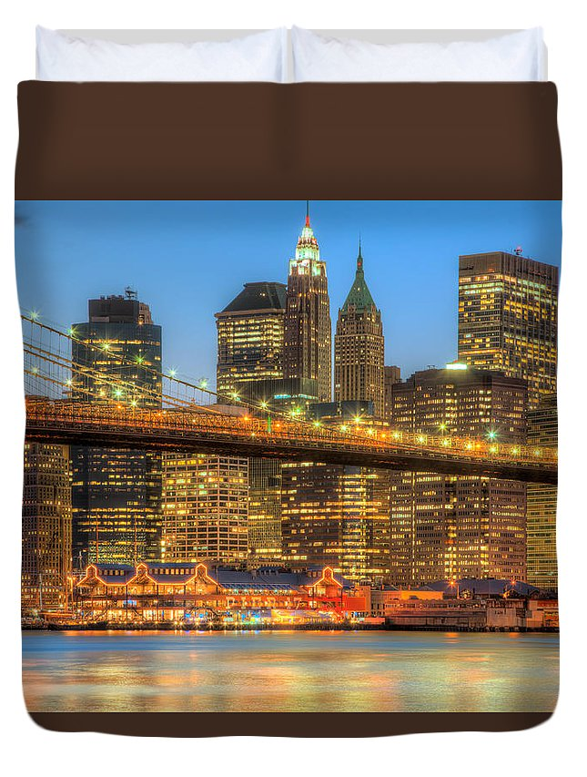 Clarence Holmes Duvet Cover featuring the photograph Manhattan Night Skyline II by Clarence Holmes