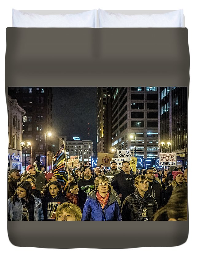 Milwaukee Downtown Duvet Cover featuring the photograph March On by Kristine Hinrichs