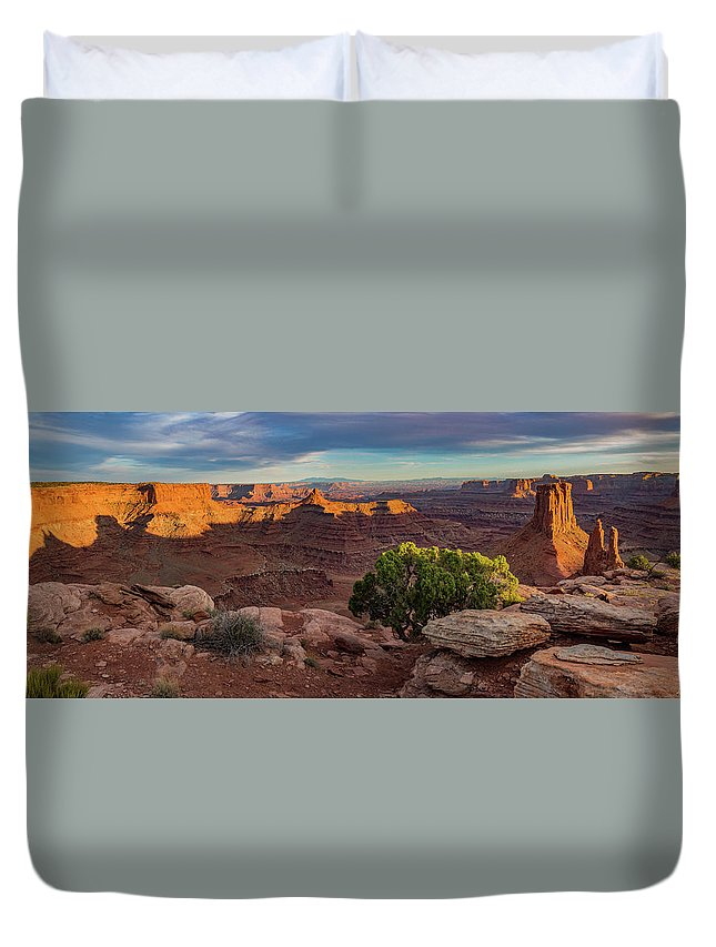 Marlboro Point Duvet Cover featuring the photograph Marlboro Point Sunset Panorama by Dan Norris
