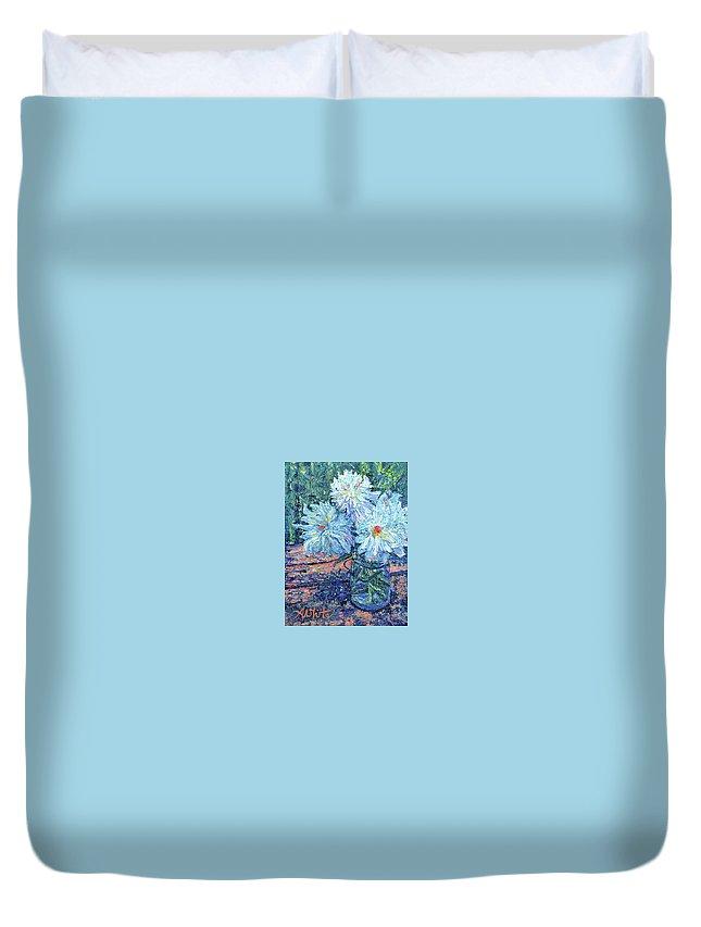 En Plein Air Duvet Cover featuring the painting Mason Jar Blues by Amy White